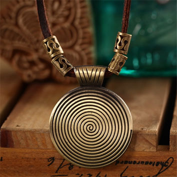 Vntage necklaces & pendants