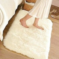 Bobosohp Super Soft Solid Color White Carpet/Floor Rug/ Living room carpet/Area Rug(can be customized) 80*120cm