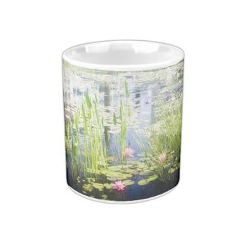 Water vegetation magic mug