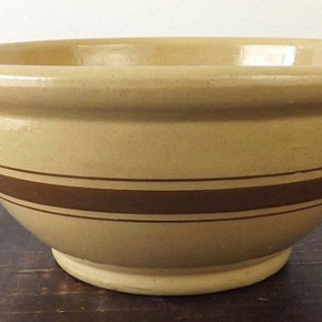Vintage Yellowware Bowl Brown Stripes, Yellow Ware Mixing Bowl, Farmhouse Baking Collectible, Kitchen Stoneware