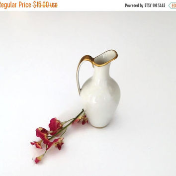 CIJ SALE Tiny Porcelain Bud Vase, Bavaria Vase, Jaeger and Co Vase, Bud Vase, Fine Ivory China, White and Gold Decor, Vintage Bud Vase, 194