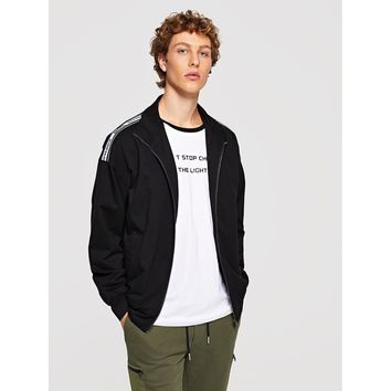 Men Letter Tape Shoulder Zip Up Jacket