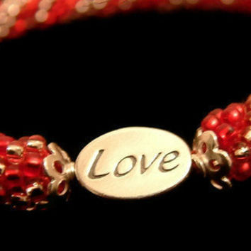 Bead Crochet Bangle Bracelet Heartfelt in Red and Pink by lanmom