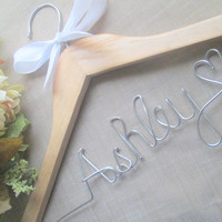 Personalized wedding hanger - Wedding hanger -Bridal shower gift - Bridesmaid gift - Ships from U.S. - FREE love or mrs ring included