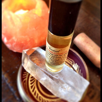 Kismet Good Karma Organic Perfume Oil RollOn Crystal Healing Infused Align with Life's Purpose, embrace the past, live with Love, Kindness