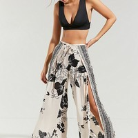 Billabong Adventure Spirit Floral Pant | Urban Outfitters
