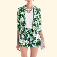 Green Leaves Print Notched Sleeve Blazer