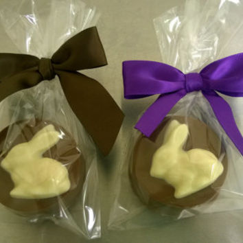 Milk Chocolate Covered Oreos – 12 Decorated Cookies with Bunny – Easter / Spring / Birthday / Favor / Party / Rabbit / Farm