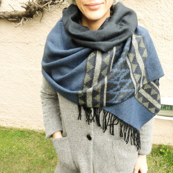 Blue oversized blanket scarf, navy blue blanket shawl, astec design long scarves tribal wrap scarf for women écharpe de couverture