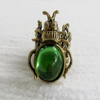 Vintage Scarab Beetle Ring, Ornate Bug Ring with Green Art Class Cabochon  Insect Jewelry Size 6 Ring