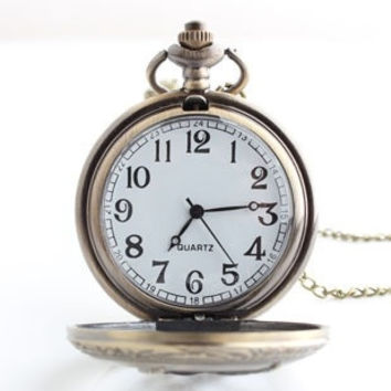 Small Hunger Games Ridicule Bird Retro Quartz Pocket Watch Retro Jewelry To Commemorate (Color: Bronze) = 1753736516