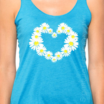 Daisy Heart Tank top. Flowers top. Daisies womens Tank. Vintage graphic shirt flower heart garden indie southern summer fashion tank top