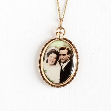 Vintage Art Deco Photographic Pendant Necklace - 1930s 1940s WWII Era Germany Old Stock Gold Filled Historical Baby & Couple Picture Jewelry