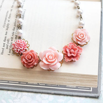 Pink Rose Necklace Statement Necklace Floral Jewelry Pearl Chain Flower Bib Necklace Romantic Vintage Style Necklace Bridal Accessories