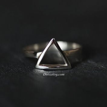 Size 7 , Sterling Silver, Handmade Jewelry, Triangle Ring, Statement Ring, Geometric Ring, Ready To Ship!