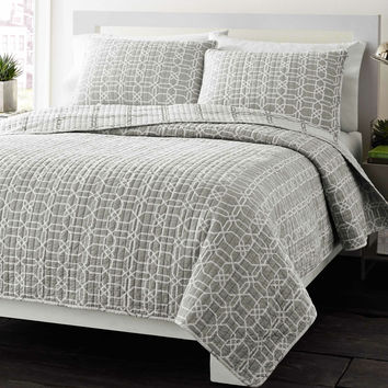 Full/Queen Grey Geometric Medallion Reversible Cotton Coverlet Quilt Set