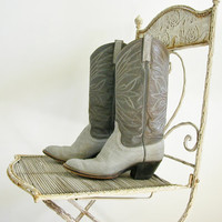 Vintage Gray Boots / cowgirl boots / Dan Post / western boots / leather boot / 80s boots / womens size 7 / mens size 5