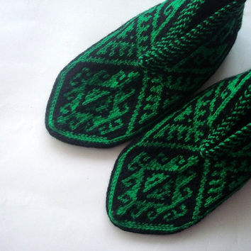 knit slippers, Green and Black hand knit Slippers for Women, womens slippers socks, Turkish slippers home shoes christmas gifts for her