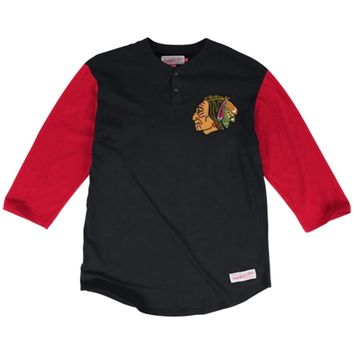 Men's Chicago Blackhawks Mitchell & Ness Black/Red In the Clutch Henley Three-Quarter Sleeve T-Shirt