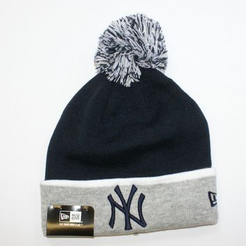 f98eb613e74 New Era MLB Bobble New York Yankees NY Sideline Sport Knit Beanie Fitted Hat