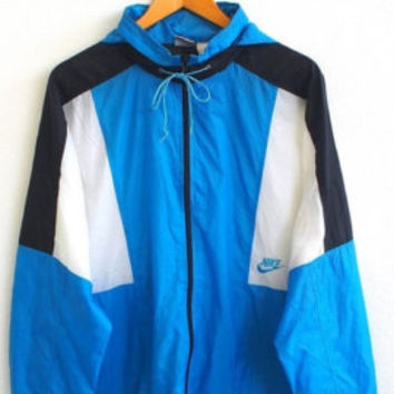 ON SALE 25% NIKE Swoosh Blue Streetwear Vintage 80's Sport Trainer Windbreaker Jogging Sweater Jacket Size L