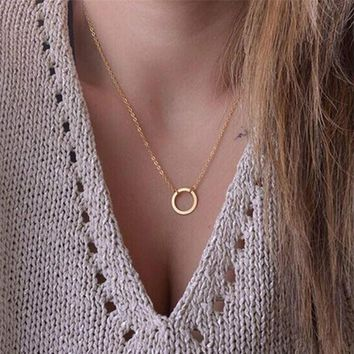 Korean Version Of The New Women 's Fashion Necklace Simple Round Pendant Necklace Ms. Short Clavicle Chain Jewelry