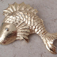 Givenchy Fish Pendant Gold Tone Textured Vintage 110416RC