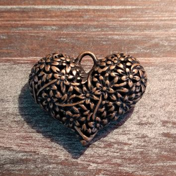 AB-922 - Antique Copper Puffed Heart Pendant With Flowers, 33x40mm | Pkg 1
