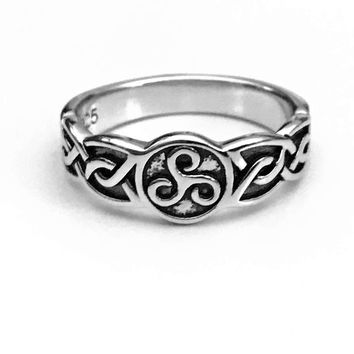 Celtic Triskelion Ring, Celtic Spiral Ring, Sterling Silver Celtic Ring, Celtic Jewelry, Celtic Design, Celtic Knot Ring, Gifts for Her