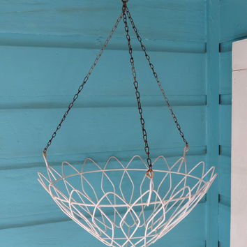 White Vintage Wire Hanging Basket . Planter or Storage for Kitchen or Bathroom . Garden Planter Fruits Vegetables Towels