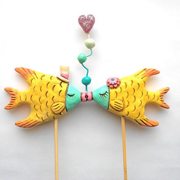 Tropial Kissing Fish wedding cake topper for your beach wedding