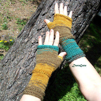 Hand knit gloves, Gloves with no fingers, Knit fingerless glove mittens, boho fingerless Glove, Wrist warmer, Knitting gloves, gift under 40
