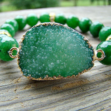 Green Druzy Agate Stretch Bracelet, Green Agate, Gemstone Bracelet, Green and Gold Stacking Bracelet, Drusy Bracelet, Druzy Jewelry