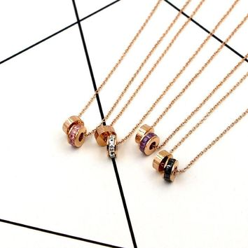 2018 Fashion Stainless Steel Love Round Crystal Roman numerals Circle Pendant Necklace Rose Gold Color Women Party Gift