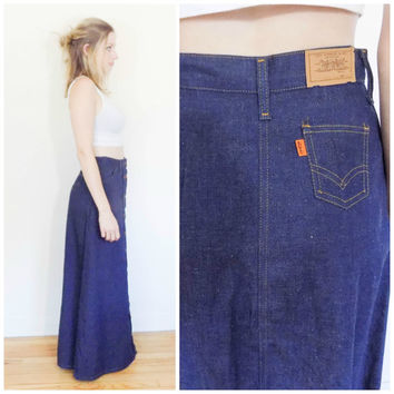 70s vintage Levi's maxi skirt / Hippie denim skirt / Floor length long dark blue jean skirt / Hippie boho button down rare skirt size small