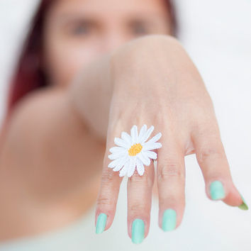 Crochet Lace Daisy Ring - Adjustable Daisy Ring - Statement Ring - Jewelry Handmade - Fiber Art Jewelry