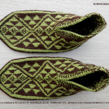 Turkish hand knitted men's brown and pistachio green slippers, slipper socks.