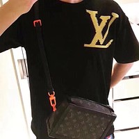 LV Louis Vuitton 2019 new couple models wild fashion casual round neck shirt T-shirt black