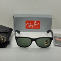 RAY-BAN NEW WAYFARER SUNGLASSES RB2132 622 BLACK FRAME/GREEN CLASSIC LENS 55MM