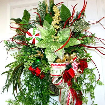 Christmas wreath, Christmas swags, holiday wreath swag, Christmas wall hanging, elegant wreaths, designer wreaths, grapevine wall pocket