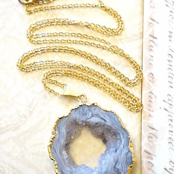 Radiantly Glamorous Agate Geode Necklace, Druzy Necklace, Druzy Jewelry, Agate slice