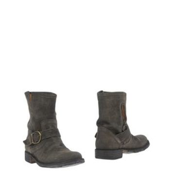 FIORENTINI+BAKER Ankle boot - Footwear D | YOOX.COM