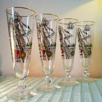 Vintage Mid Century Pilsner Glasses Set (4) Barware Pirate Ship Pirates Sails Sailors Boat Ocean Island Compass Sea Gold Rim Red