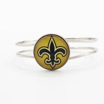 Newest 1pcs/lot Football glass Team New Orleans Saints Sports Bracelet charms Silver Alloy Stretch bracelets for gift