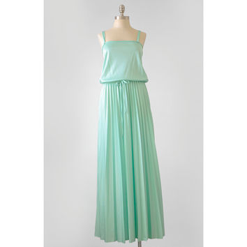 Vintage 70s Maxi Dress / Mint Green Evening Gown Prom Dress / Boho Hippie 1970s Accordion Pleated Spaghetti Strap Long Dress / Small Medium