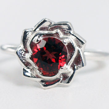 Garnet Flower Ring Sterling Silver, January Birthstone Ring, 925 Garnet Ring, 925 Flower Ring, Garnet Ring