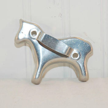 Vintage Aluminum Horse Shaped Cookie Cutter (c. 1950's) Country Kitchen Decor, Horse Lover, Horse Cookie, Christmas Cookie, Farm Animal