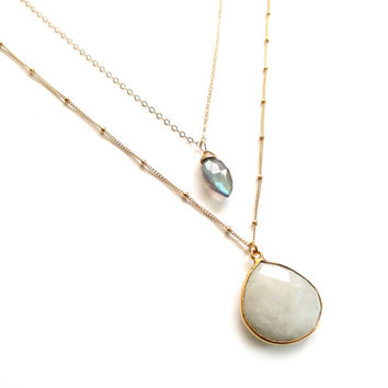 Moonstone Necklace Gold, Gold Layer Necklace, Moonstone Layer, Labradorite Moonstone, Labradorite Necklace, Satellite Chain, Delicate Gold