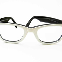 Vintage 1980s Ray-Ban White and Black Wayfarer 5022 Sunglasses Frame Uncommon Bausch & Lomb Variation Style Reading Lenses