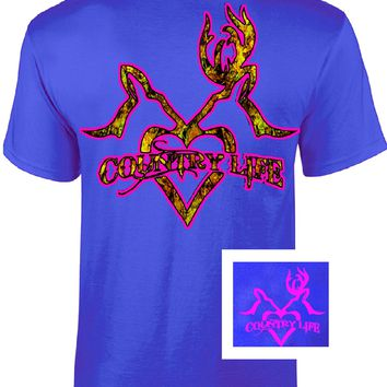 Country Life Outfitters Royal & Pink Deer Kiss Heart Love Hunt Vintage Bright T Shirt